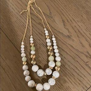 NWOT—-Women's LOFT necklace